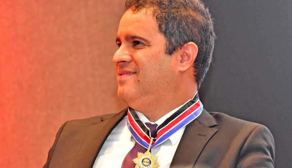 Juiz atende a pedido de Edivaldo e suspende inquérito da PF sobre Isec