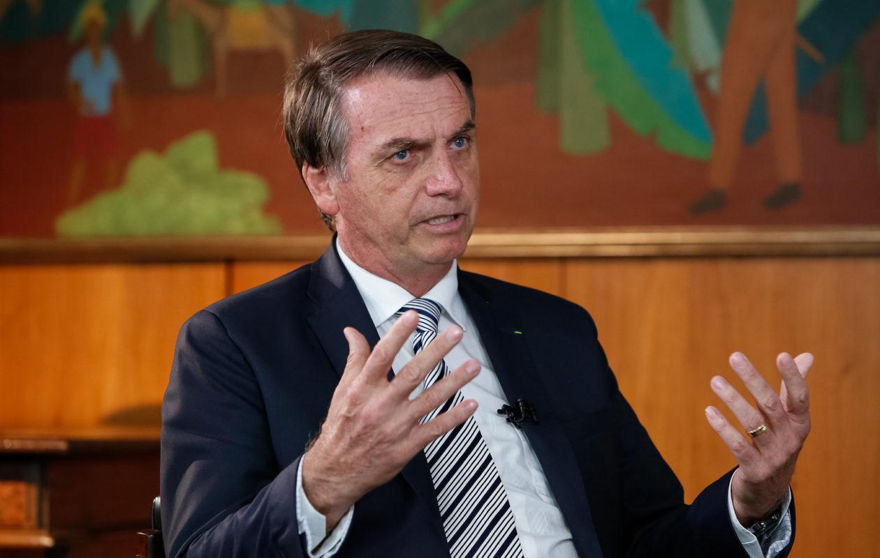 Bolsonaro sanciona lei que permite ausência de alunos em aulas por motivo religioso