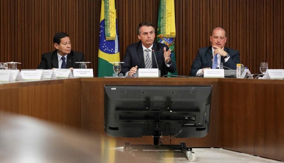 Bolsonaro sanciona lei que mantém repasses a municípios com redução populacional