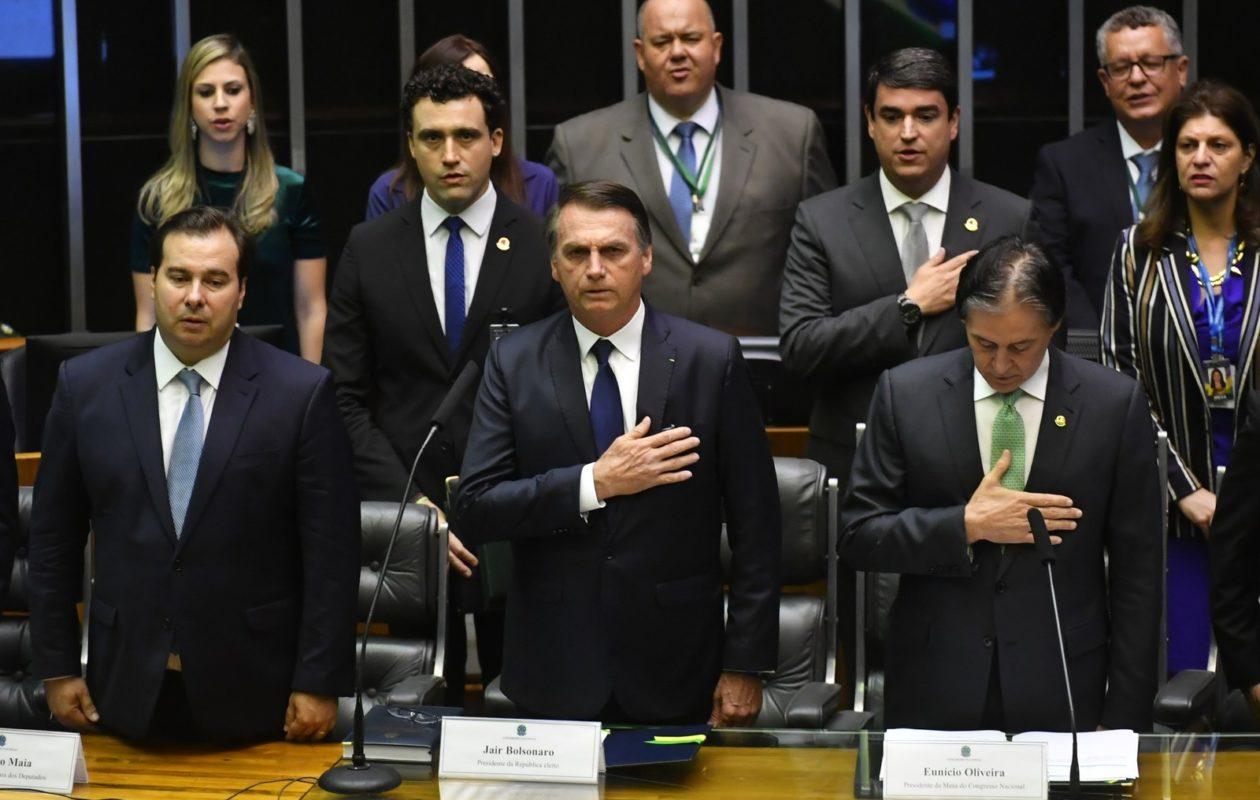Jair Bolsonaro toma posse como presidente do Brasil