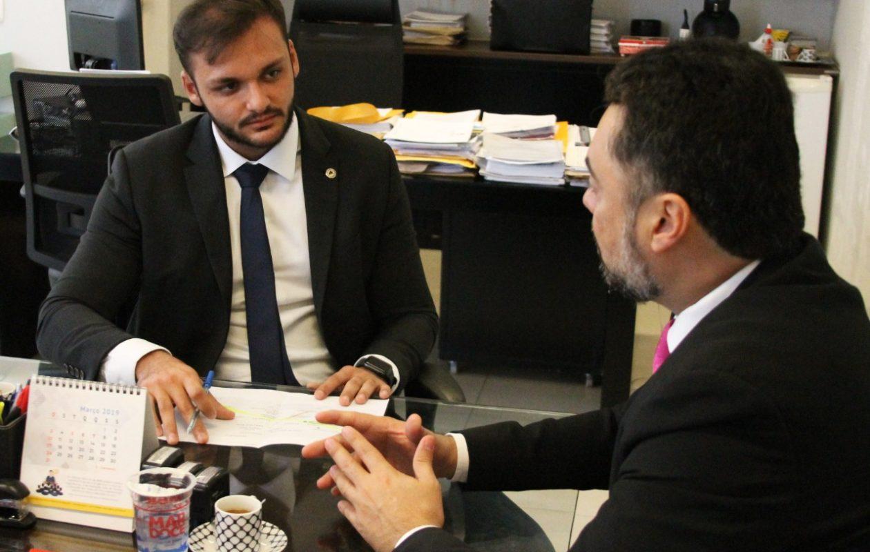 Deputado trata sobre paralisação de vans dois dias após reunião de consenso