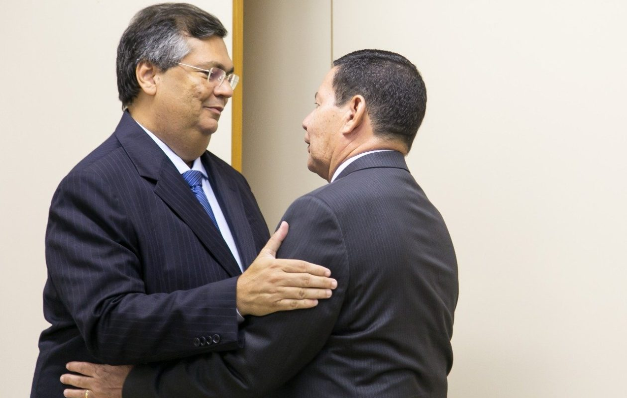 Dino vai a Mourão e tenta construir pontes com o governo Bolsonaro
