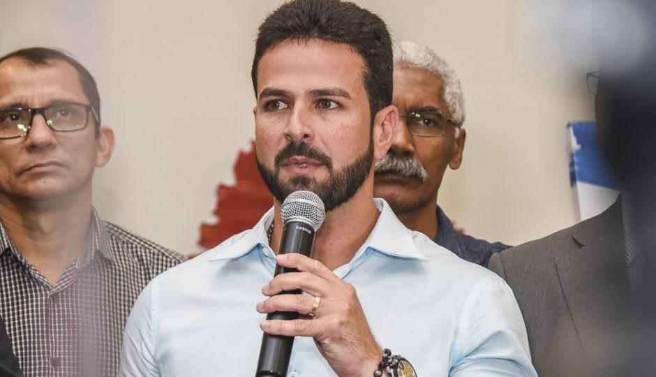 TJ-MA mantém decisão que inocenta Gil Cutrim de falta de transparência