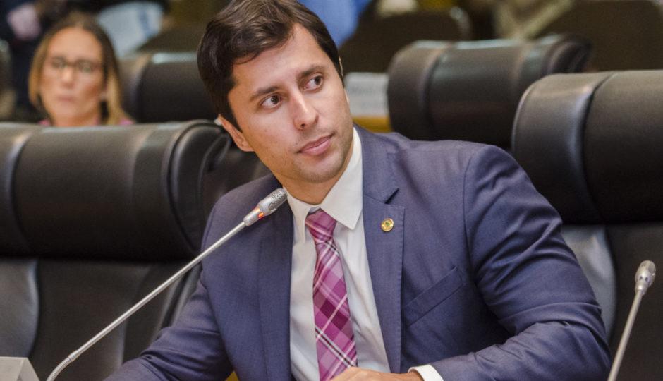Em meio a pedido de cassação, Procon faz promoção pessoal de Duarte Júnior