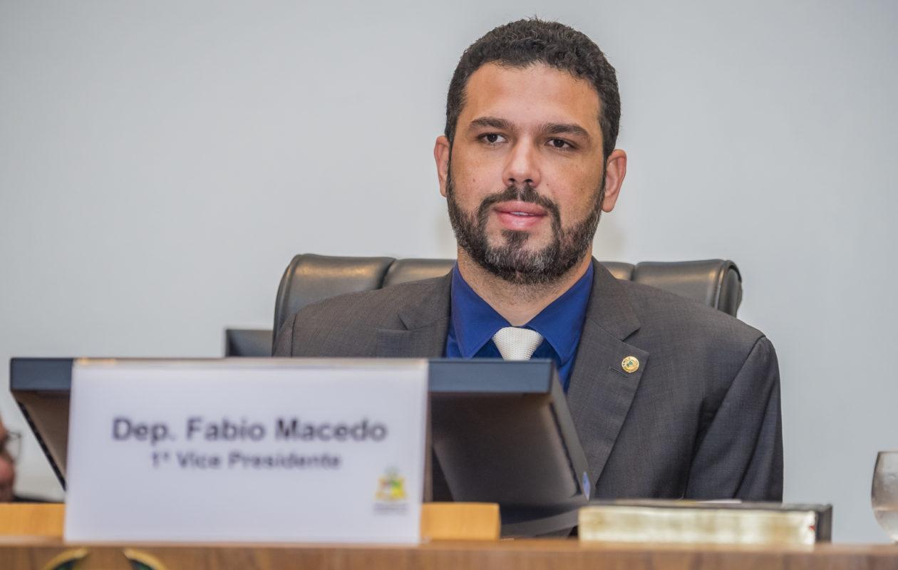 Após lesão e ameaça a policial no PI, Fábio Macedo tira licença médica