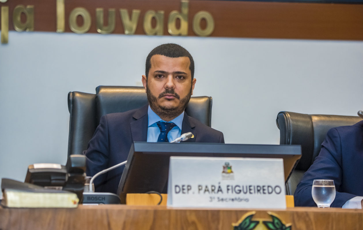 Pará Figueiredo retira proposta que repetiria honraria a Joaquim Figueiredo