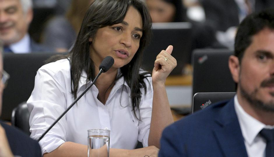 Eliziane pede estudos sobre liberdade de imprensa ao Conselho de Comunicação