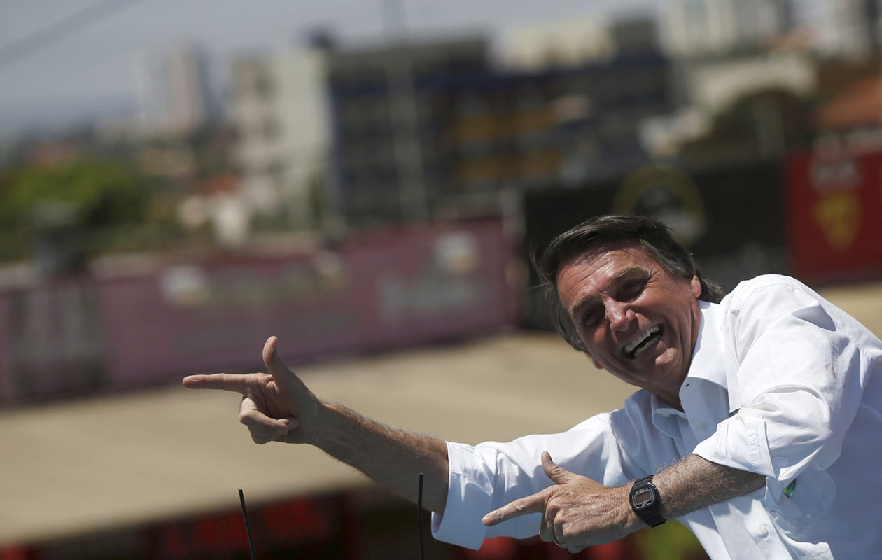 Governo Bolsonaro recua e publica novo decreto pró-armas