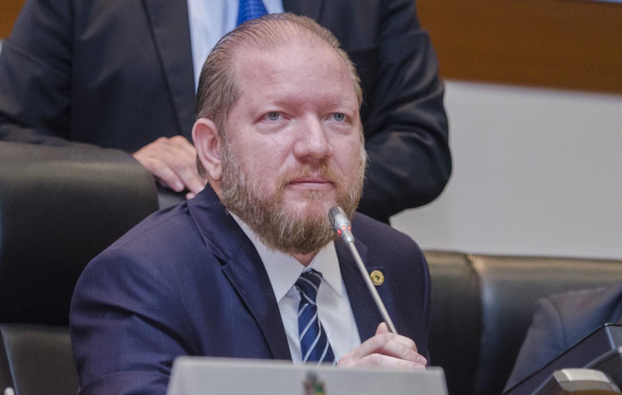 Othelino Neto é reeleito para presidir Alema no biênio 2021/2022