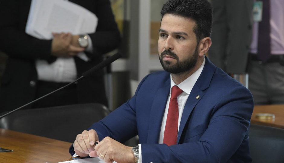 PDT instaura processos e suspende Gil Cutrim e outros sete deputados