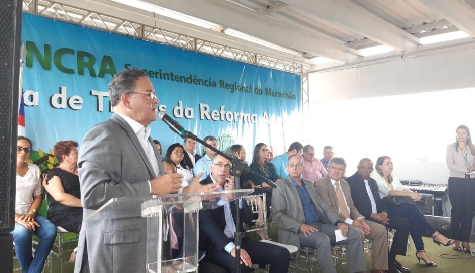 """""""Há um olhar muito especial ao Maranhão"""", diz Roberto Rocha sobre Bolsonaro"""