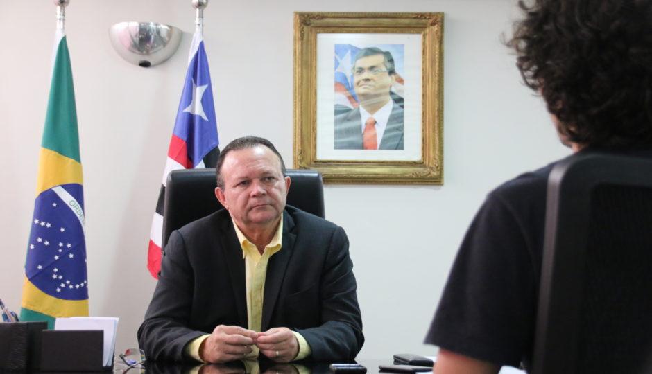 Brandão compartilha link que critica ausência de Dino do Maranhão