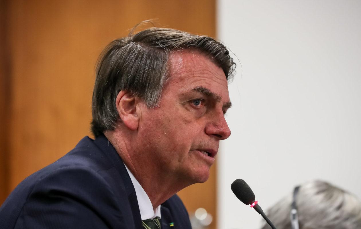 Bolsonaro manda investigar contrato de R$ 6 milhões da gestão Dino na Embratur