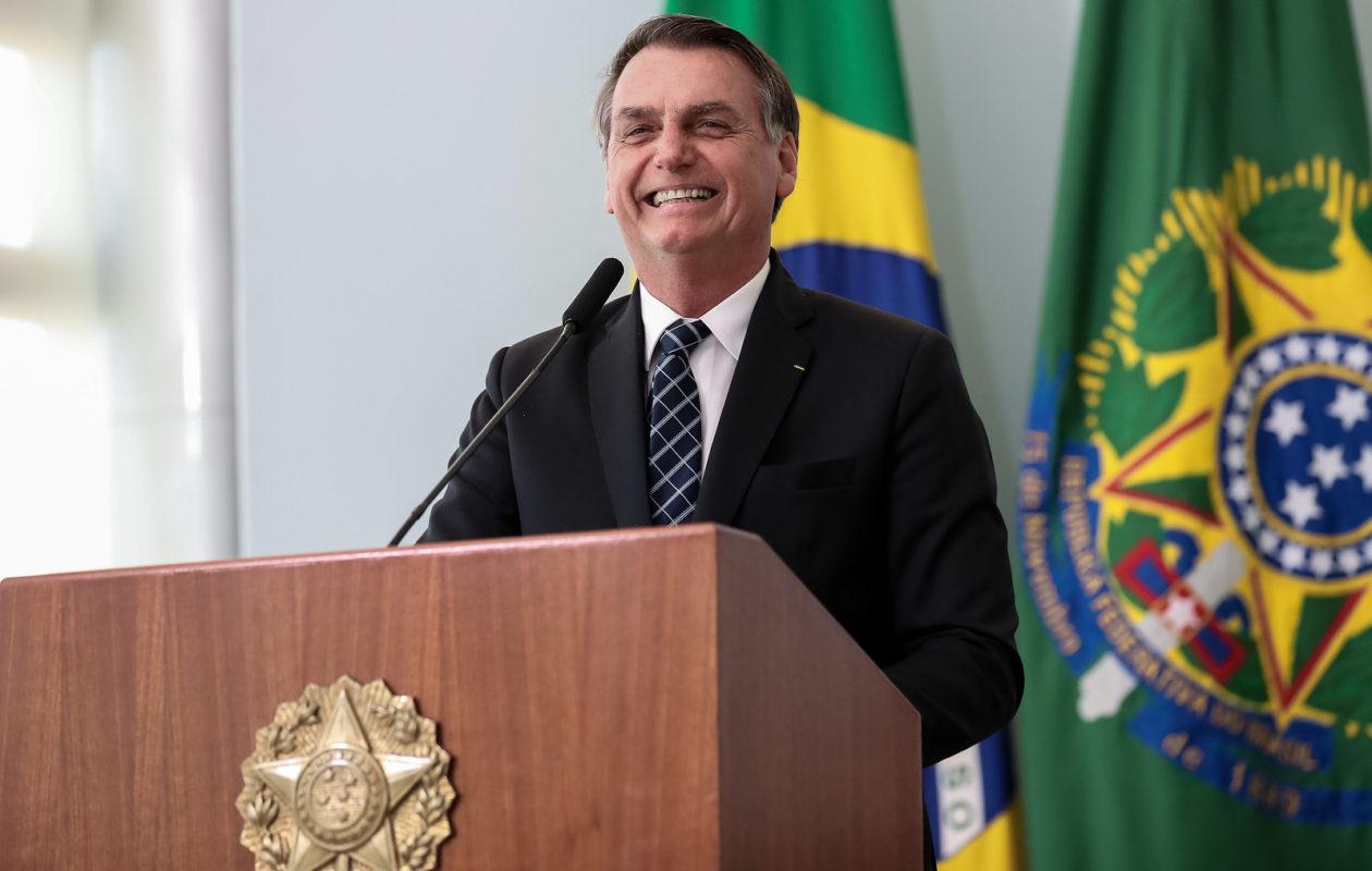 Bolsonaro lança Médicos pelo Brasil e amplia vagas em áreas mais carentes