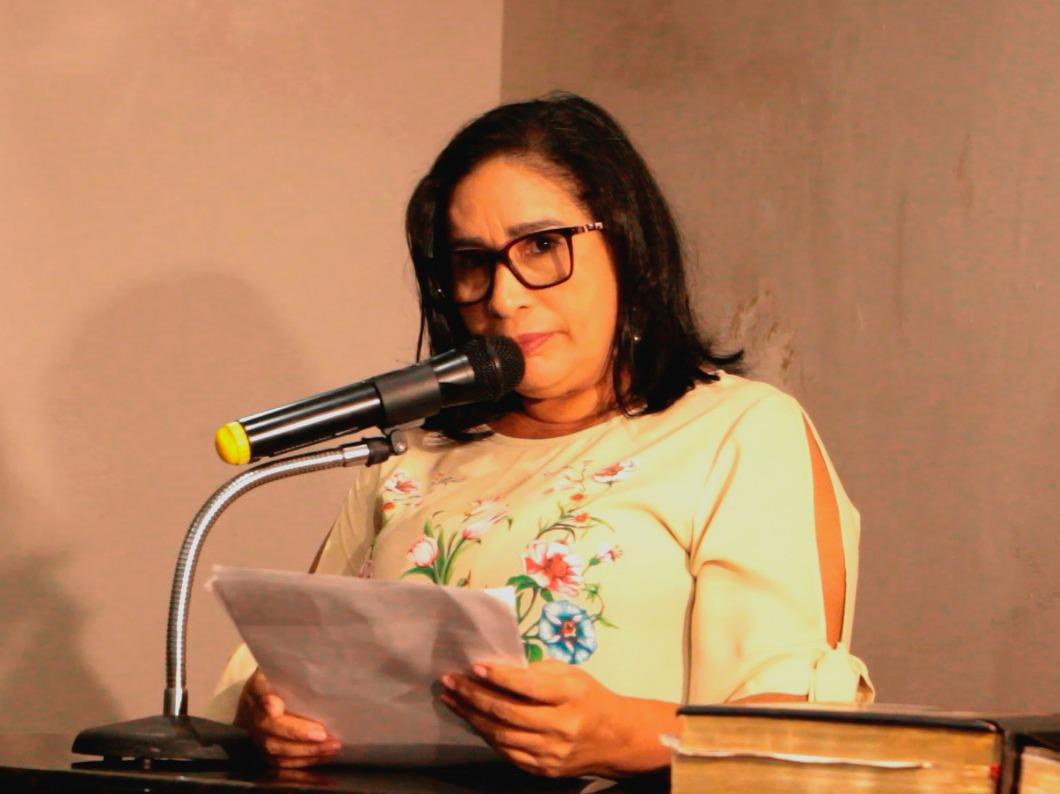 Paula da Pindoba promove exonerações e varredura em contratos em Paço