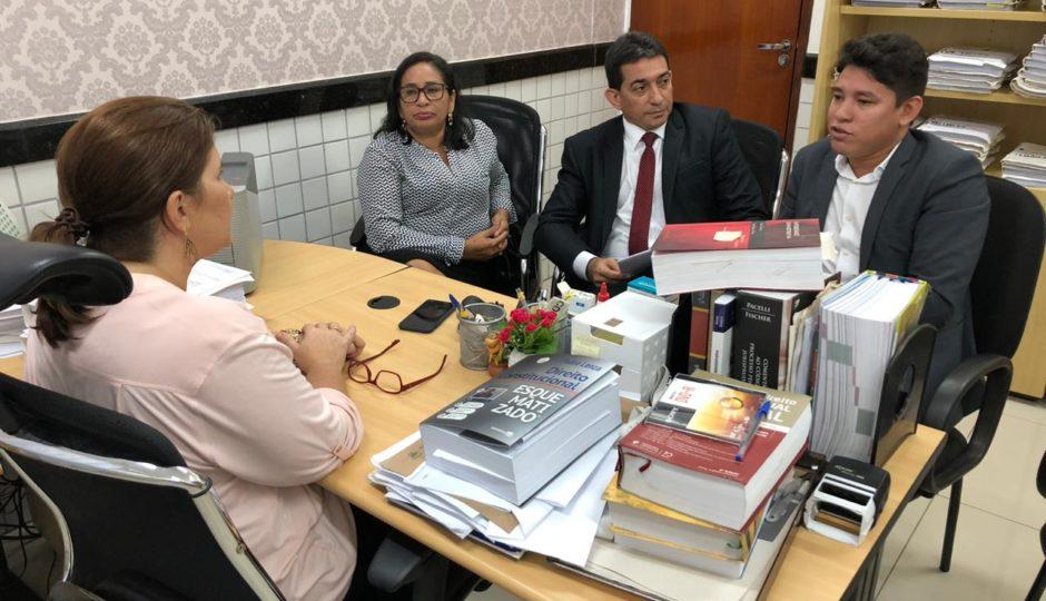 Em visita ao MP, Paula da Pindoba denuncia falta de informações sobre contratos