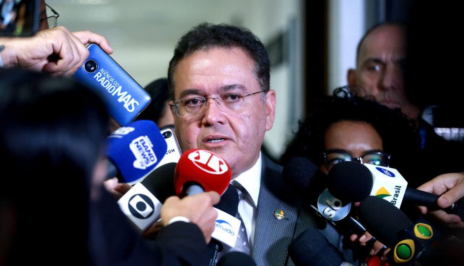 Juiz do DF manda ação de Roberto Rocha contra Dino e Noleto para Vara de Interesses Difusos