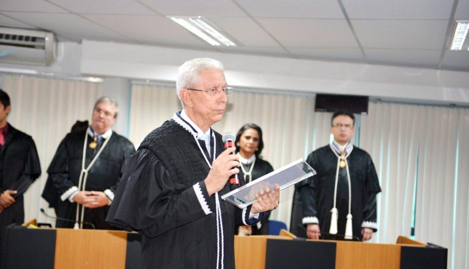 Júlio Praseres se declara suspeito para julgar pedido de cassação de Antônio Pereira