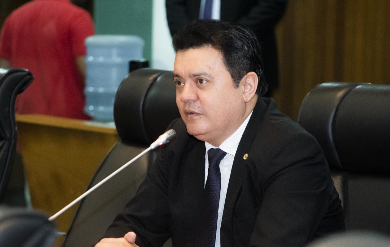 Ministério Público abre investigação sobre caso de nepotismo no gabinete de Rigo Teles