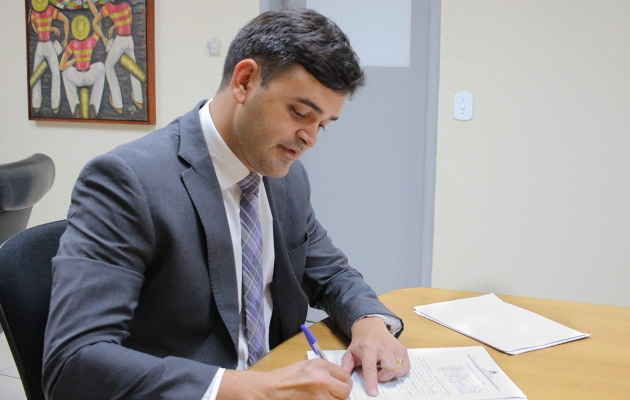 Duailibe nega pedido de Rubens Júnior para suspender ação por nepotismo