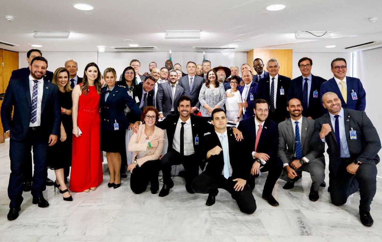 Bolsonaro anuncia que vai deixar PSL e criar o partido Aliança pelo Brasil