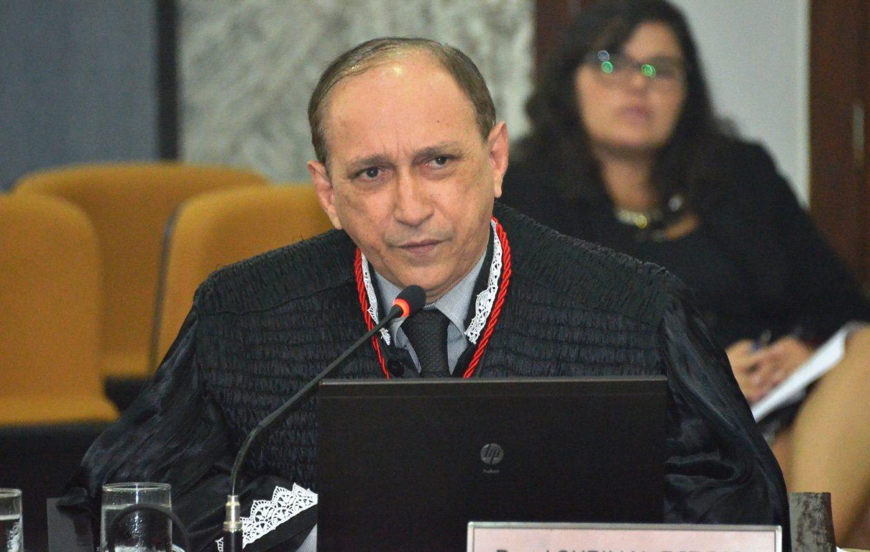 TJ rachado elege Lourival Serejo presidente
