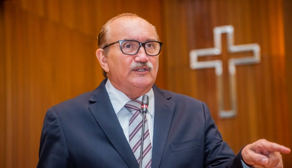 César Pires pede que Dino adie descontos de novas alíquotas da Previdência