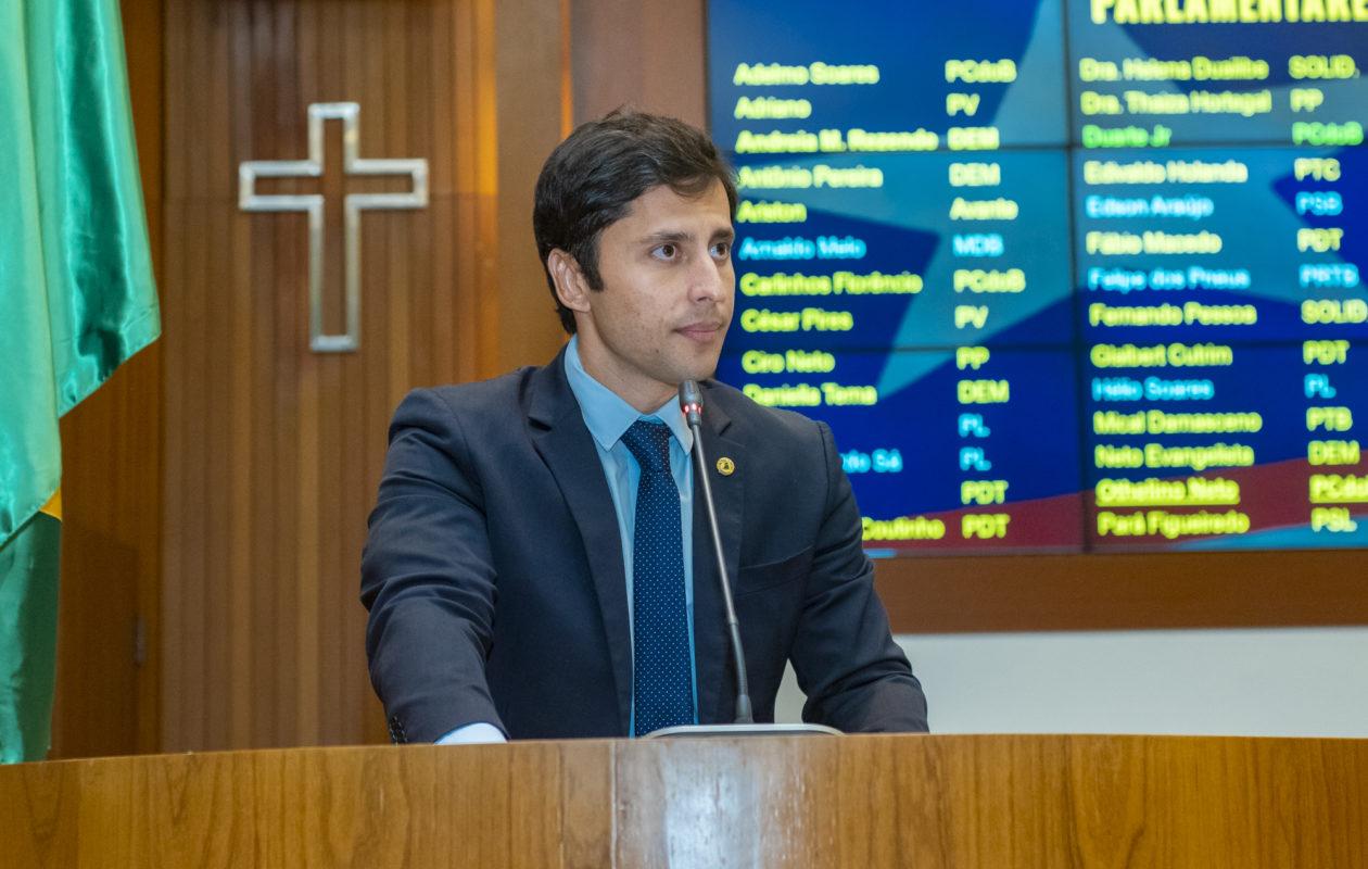 Sem citar nomes, Duarte faz críticas que atingem Rubens Júnior e Neto Evangelista