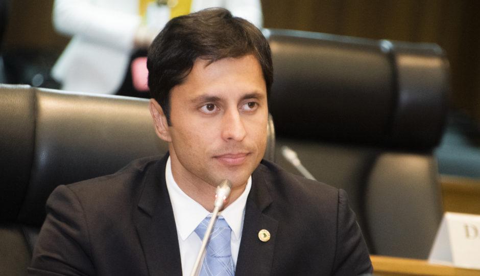 MP Eleitoral pede busca e apreensão de material promocional de Duarte Júnior
