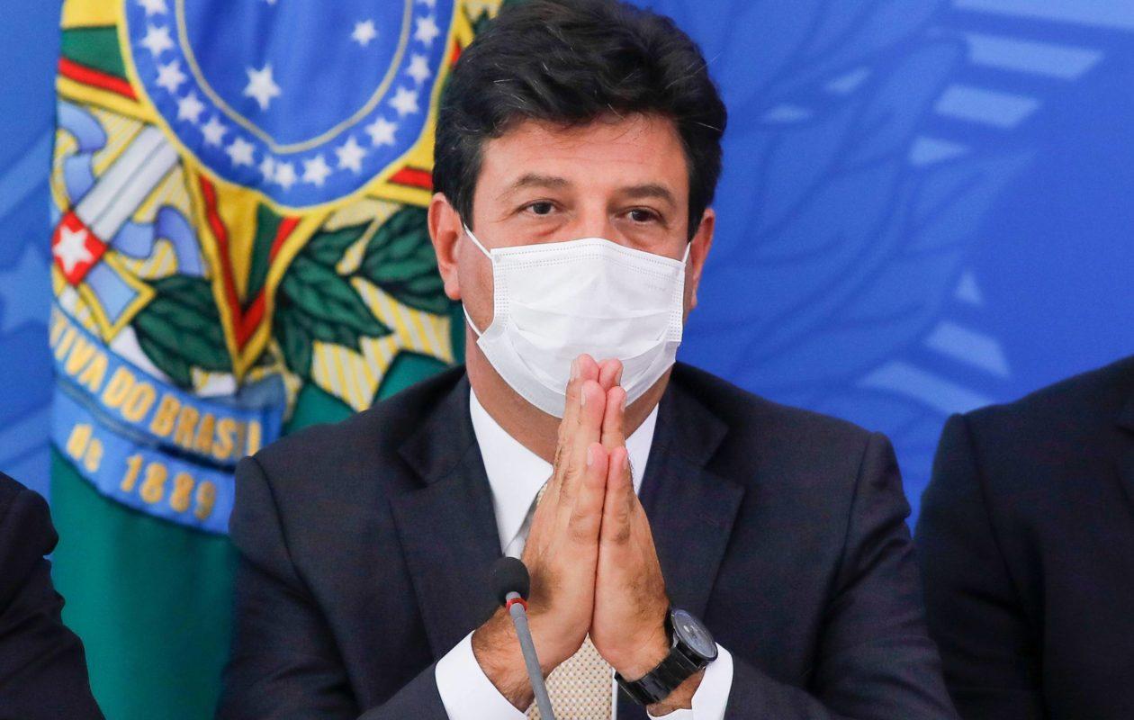 Ministro da Saúde prevê 'colapso' do sistema de saúde no fim de abril