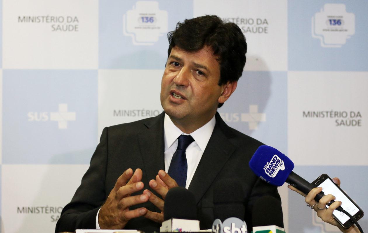 Após pronunciamento de Bolsonaro, Mandetta muda discurso e critica quarentena