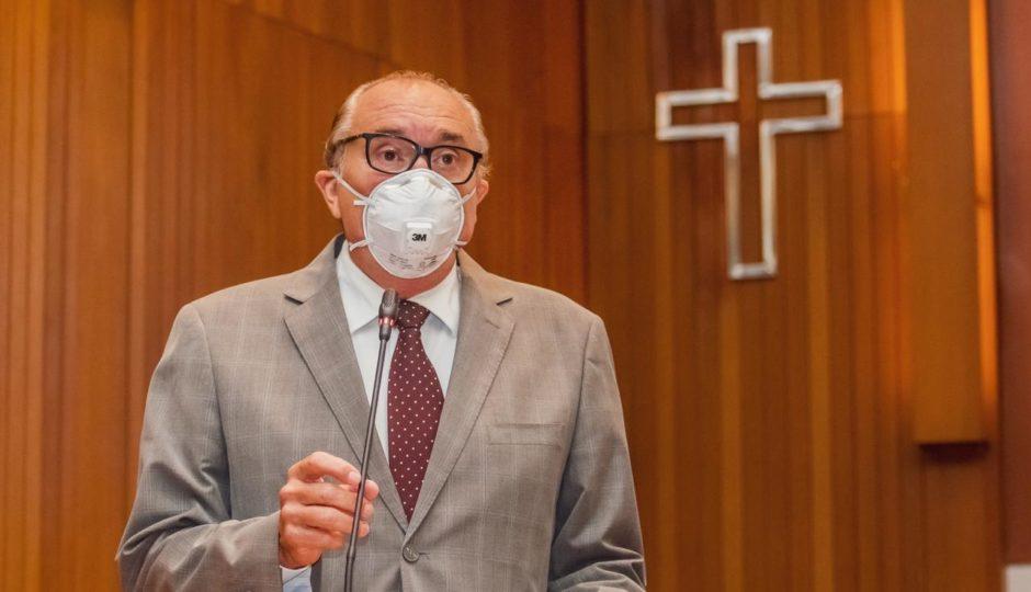 César Pires acusa governo de atrasar pagamento de médicos em meio à pandemia