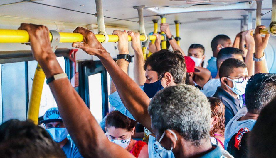 Duarte mostra ônibus lotados em São Luís e faz críticas que atingem Dino e Edivaldo