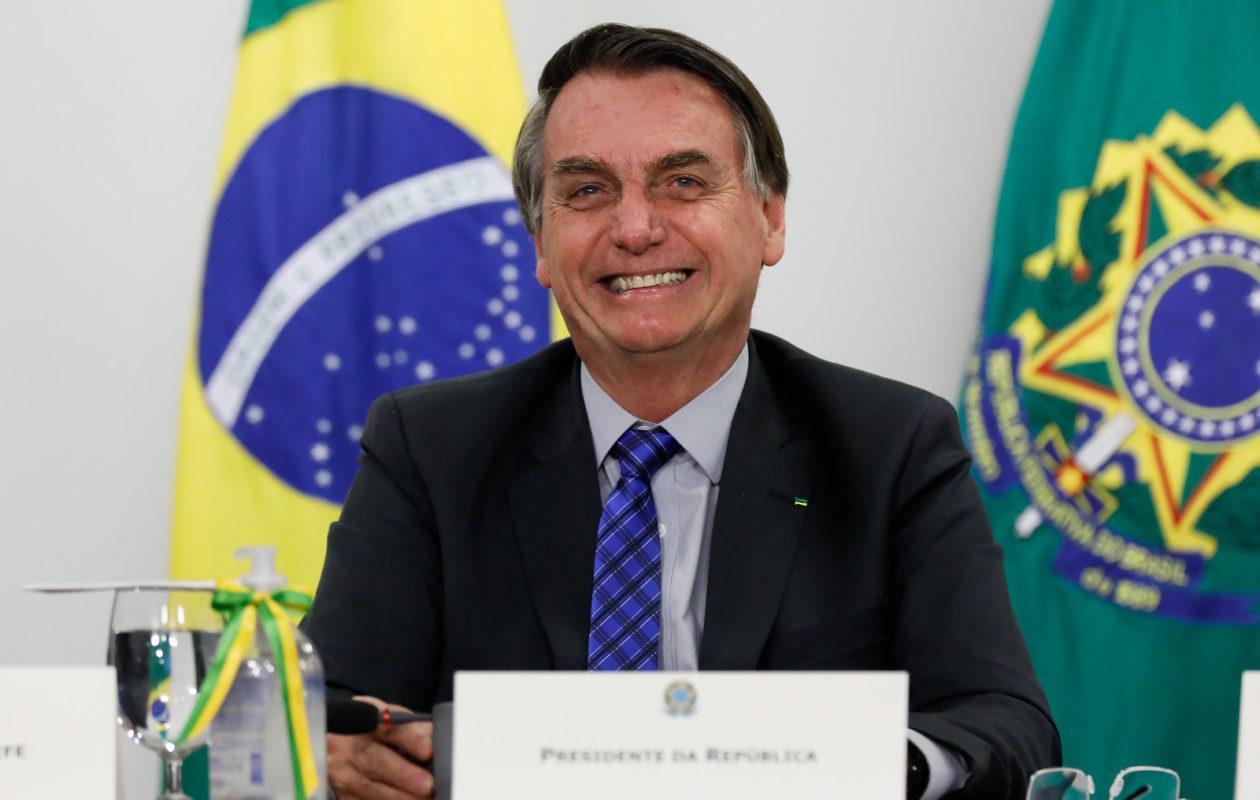 Bolsonaro veta R$ 8,6 bi para governadores e prefeitos usarem contra Covid-19
