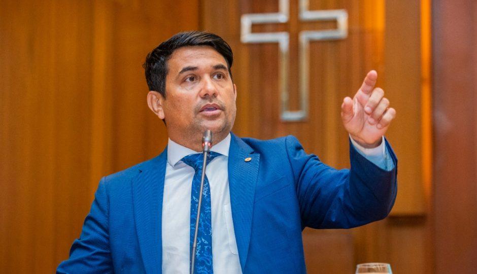 Em São Luís, Wellington declara apoio a Neto Evangelista