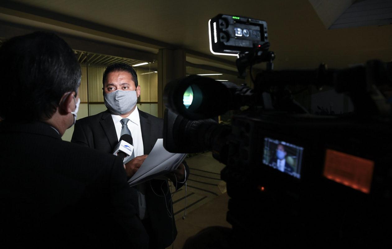 Relator da PEC sobre adiamento de eleições, Weverton avalia voto opcional a partir dos 60 anos