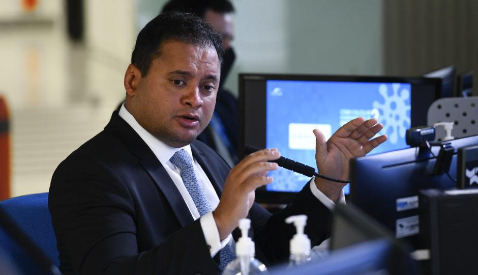 Em relatório, Weverton defende adiamento das eleições 2020 para 15 e 29 de novembro