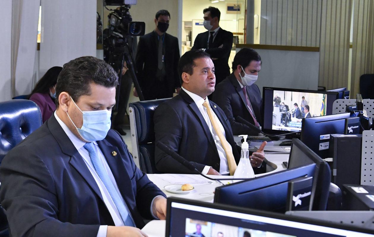Senado aprova PEC que muda data das eleições 2020 por causa da pandemia
