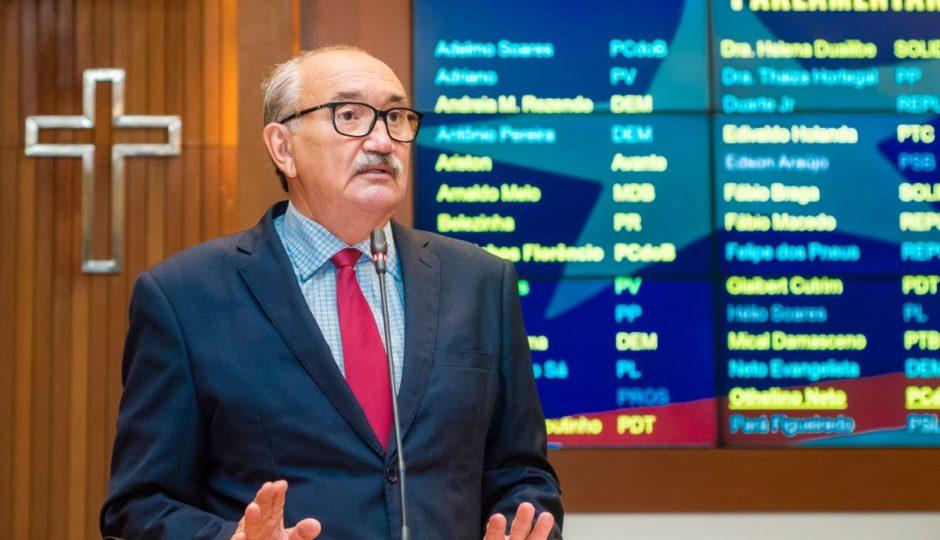 César Pires critica desafetação relâmpago de imóveis do Fepa: 'Leniência da Assembleia Legislativa'