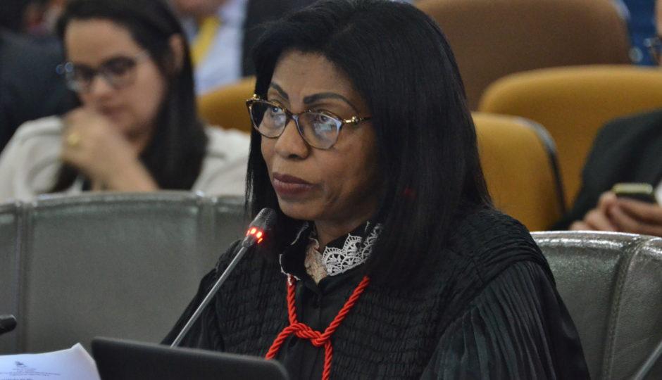 Ângela Salazar reforma decisão de Sidarta Gautama e bloqueia R$ 1 milhão de investigados em esquema