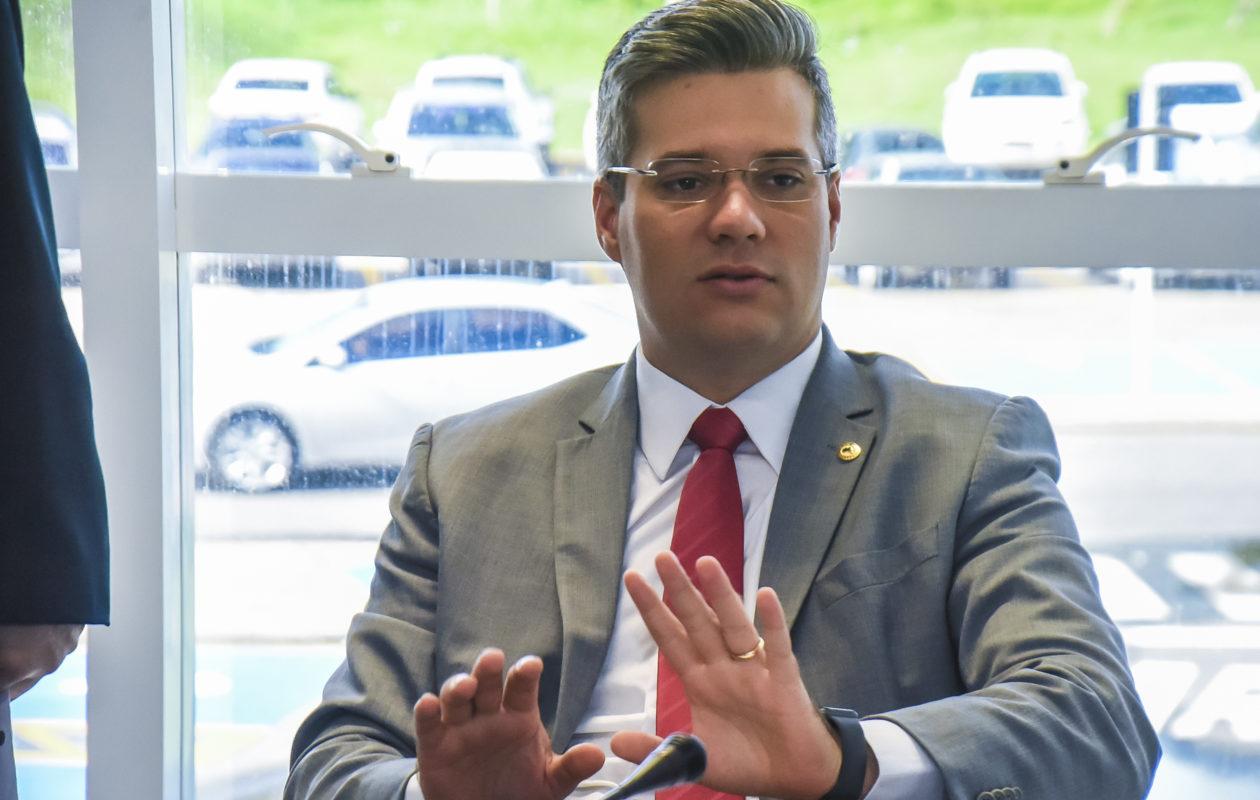 Neto Evangelista diz que cobrança sobre o VLT, promessa eleitoreira, é patética
