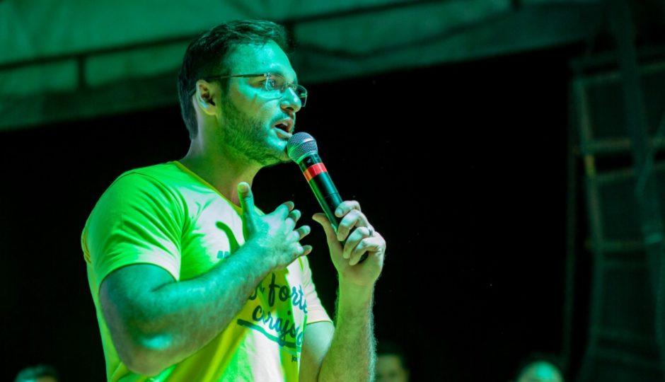 Após repercussão negativa, Felipe dos Pneus anuncia doação de salário