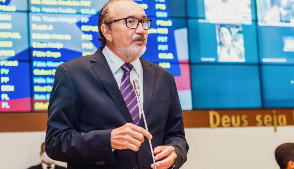 César Pires propõe a obrigatoriedade de comprovante de vacinação em serviços públicos