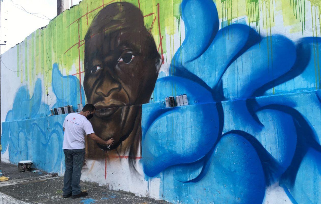 Mural em homenagem a mestre Leonardo, do Boi da Liberdade, será concluído nesta quinta-feira