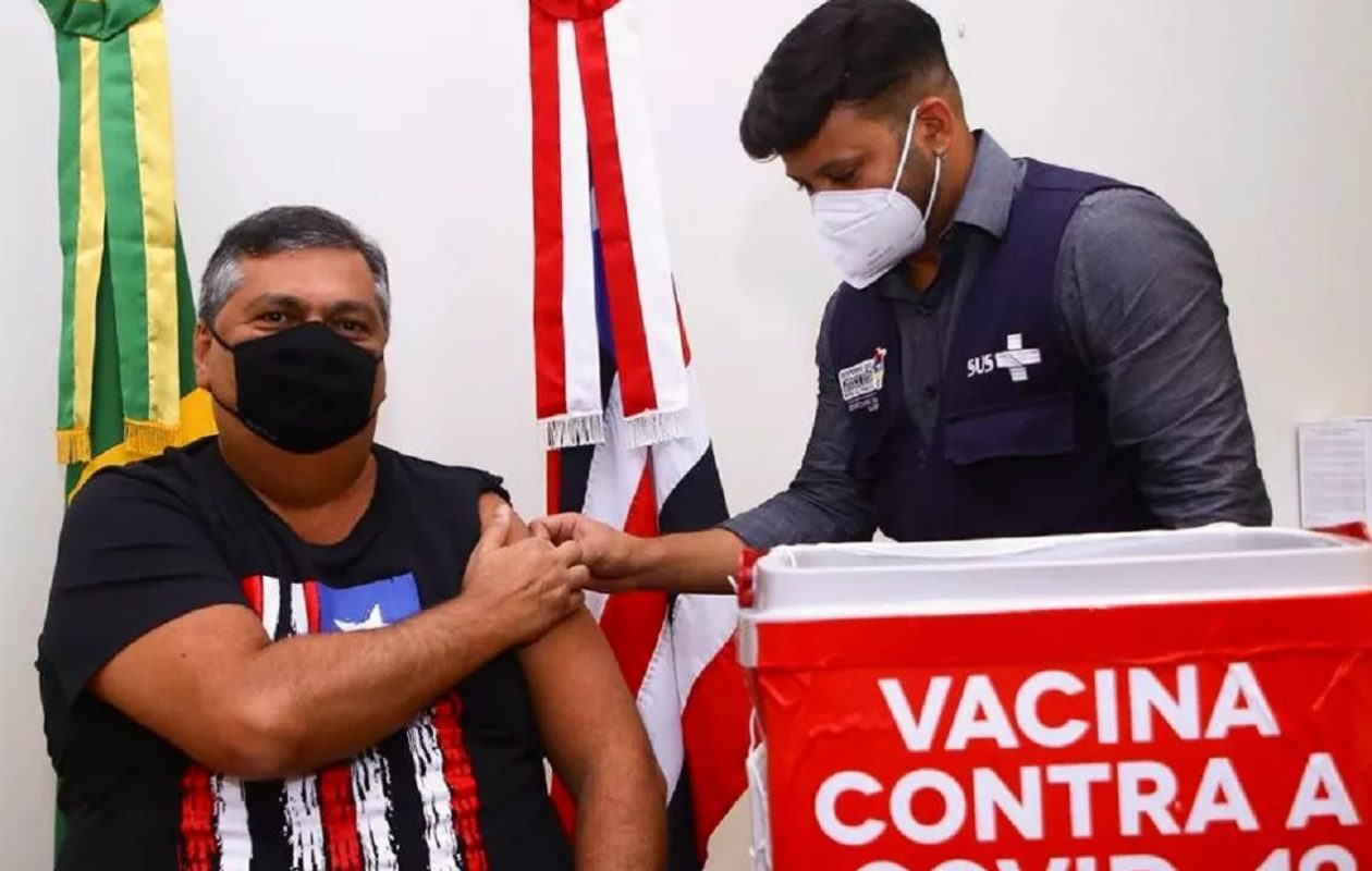 Dino desvia vacina e garante imunização privilegiada contra Covid-19
