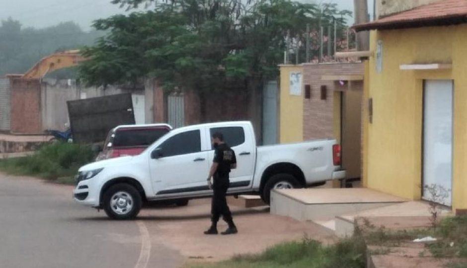 Operação Anadromiki, da PF, faz buscas na casa de ex-prefeito de Esperantinópolis, Rogério Almeida