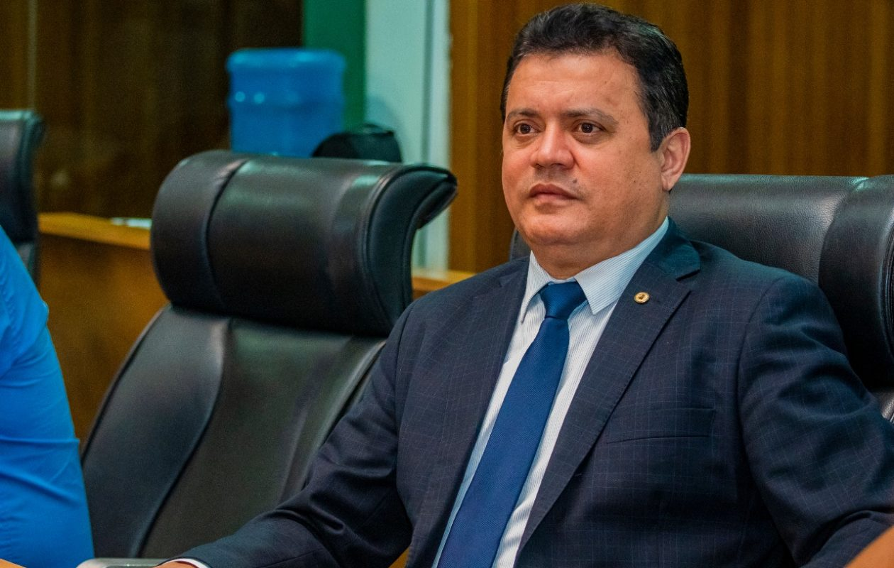 Rigo Teles é alvo de ação do Ministério Público por nepotismo