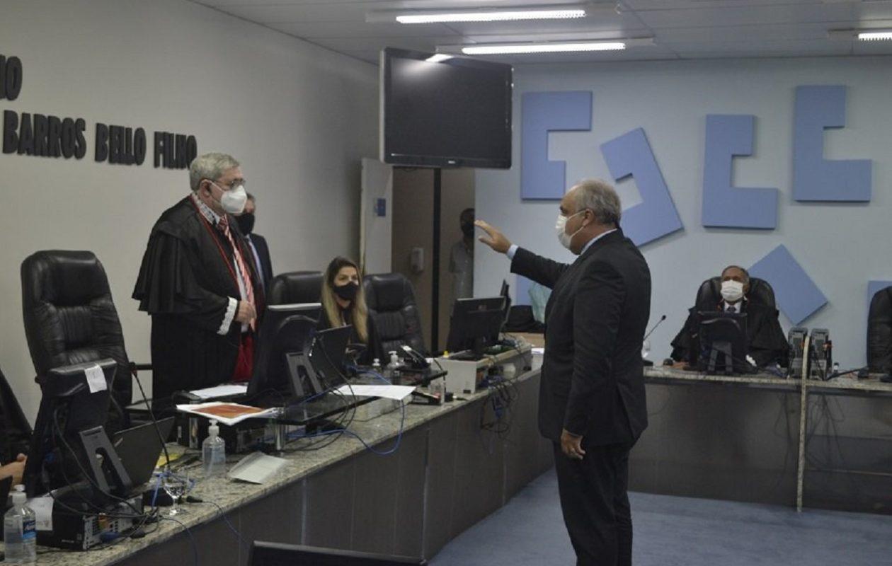 Favorecido por decreto da Alema, Marcelo Tavares toma posse como conselheiro do TCE-MA